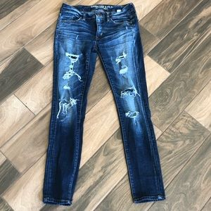 American Eagle distressed skinny jegging jeans